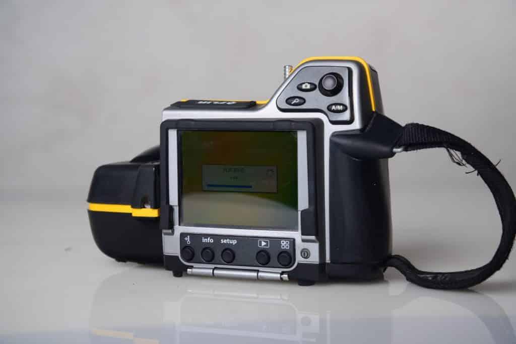 מצלמה תרמית לאיתור נזילות